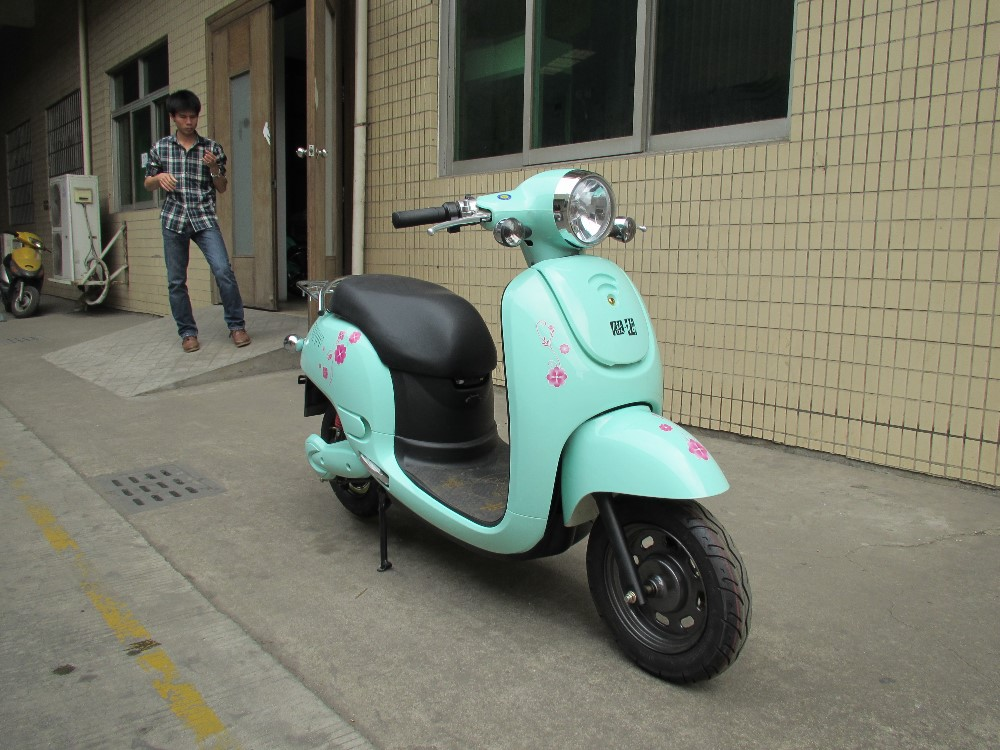China hot sale EEC gas scooter