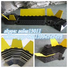 hot sale heavy duty black rubber kerb ramp107*61*65cm rl-kr-1