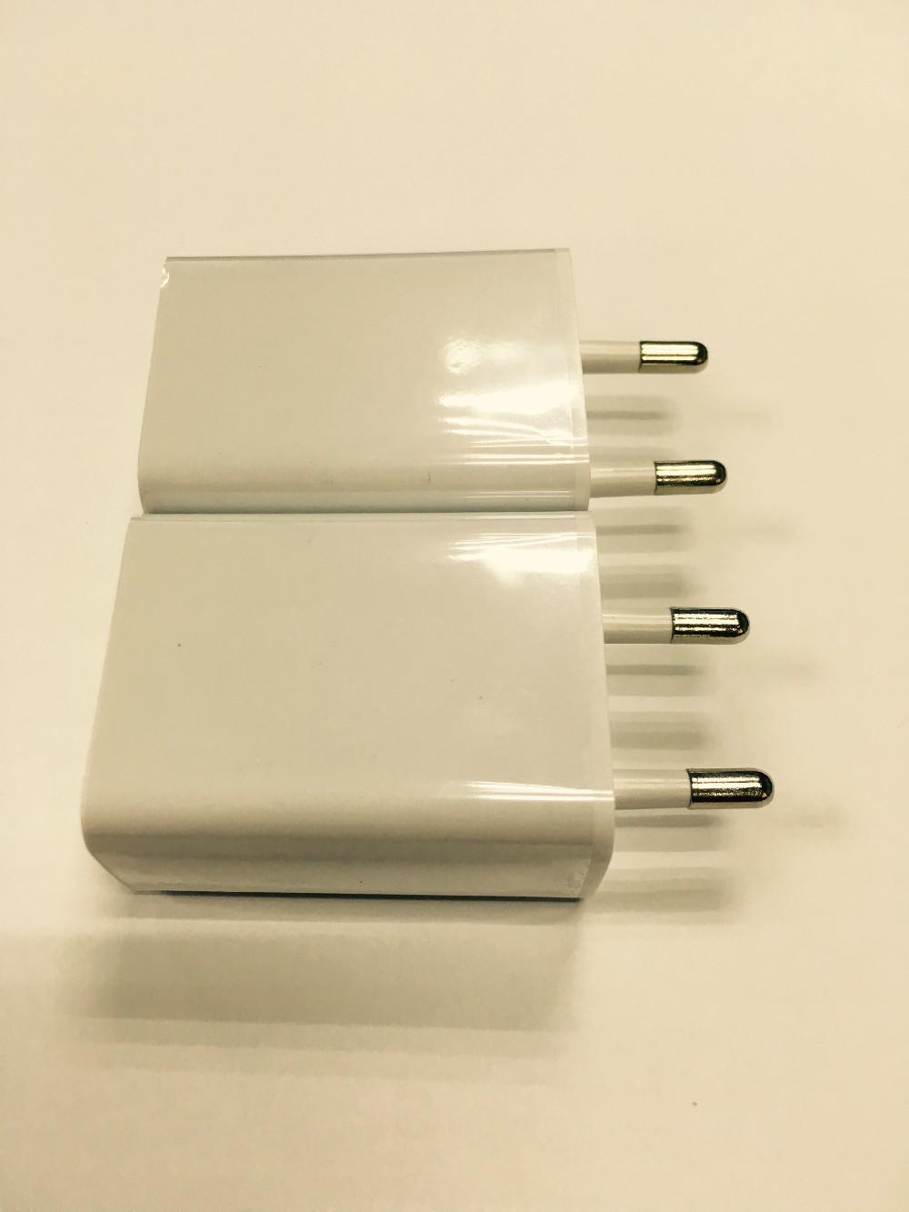 the power adapter for iphone 5V 2A