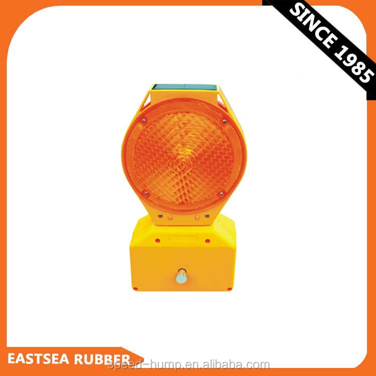 Good Quality Polycarbonate Barricade Safety Road Solar Powered Flashing Light