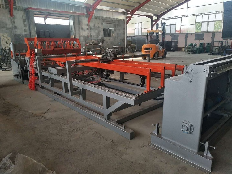Coil feeding  CNC bird cage welded wire mesh panel machine