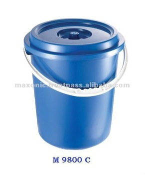 Plastic Water Pail with Cover (8 Gallon)