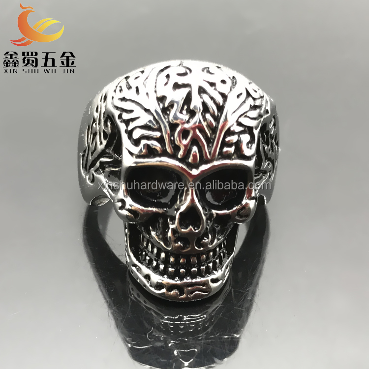 Factory direct sale fashion superman skull spikes stainless steel ring