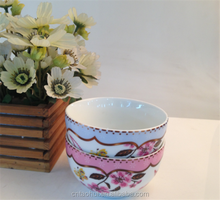 Porcelain bowl with flowers and bird decoration