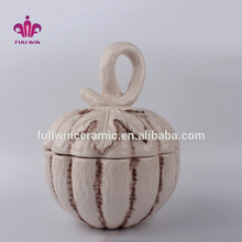 hand painted factory manufacture Wholesale thanksgiving decor pumpkin shaped gift ceramic cookie jar