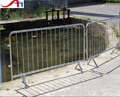 Cross feet removable crowd control barrier/metal barricade