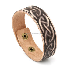 Flower pattern engraved narrow men vintage sear leather bangle made in China wholesale