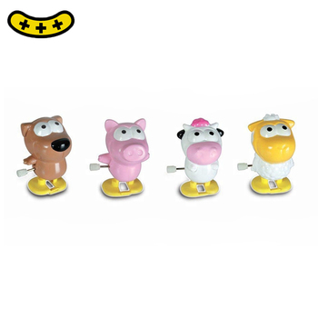 wind up plastic toys christmas wind up toys cheap wind up pig plastic toys made in Dongguan