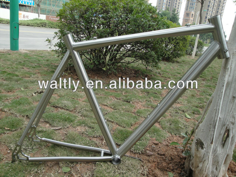 2013 latest design titanium road racing bicyle frame