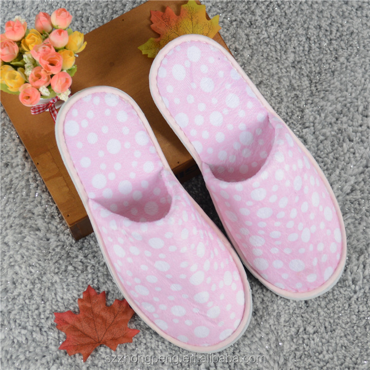comfortable indoor slippers for hotel and home using