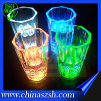 Colorful 2016 new products LED Flashing Barware Plastic Shot LED Glass, Promotional light up Liquid Activated Led Cup