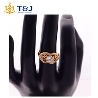 >>>>wholesale hot selling alloy with rhinestone gold plated hollow finger ring sexy lip shape ring for woman