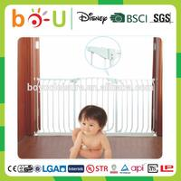 top quality universal baby safety gate retractable safety gate