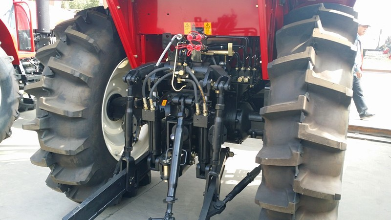medium size 4WD 70HP agricultural farm tractor for sale