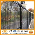 Hot dipped galvanized or pvc coated wire wall fence