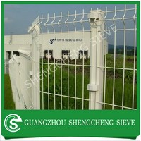 Hot dipped galvanized curved wire mesh fence 3ft fence panels