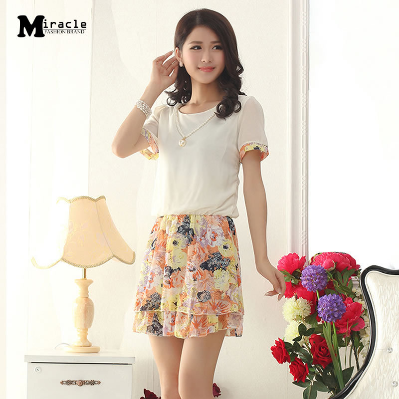 2015 Women dress in summer style floral chiffon dress o-neck print pleated short summer chiffon women dress high quality d051