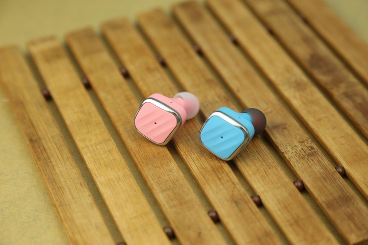 Factory Directly sales cheap price bluetooth wireless headphone mini style