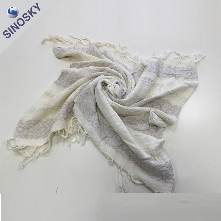 China manufacturer new design fashion print paisley scarves