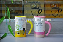 cute design ceramic coffee mug with silicon lid and handle