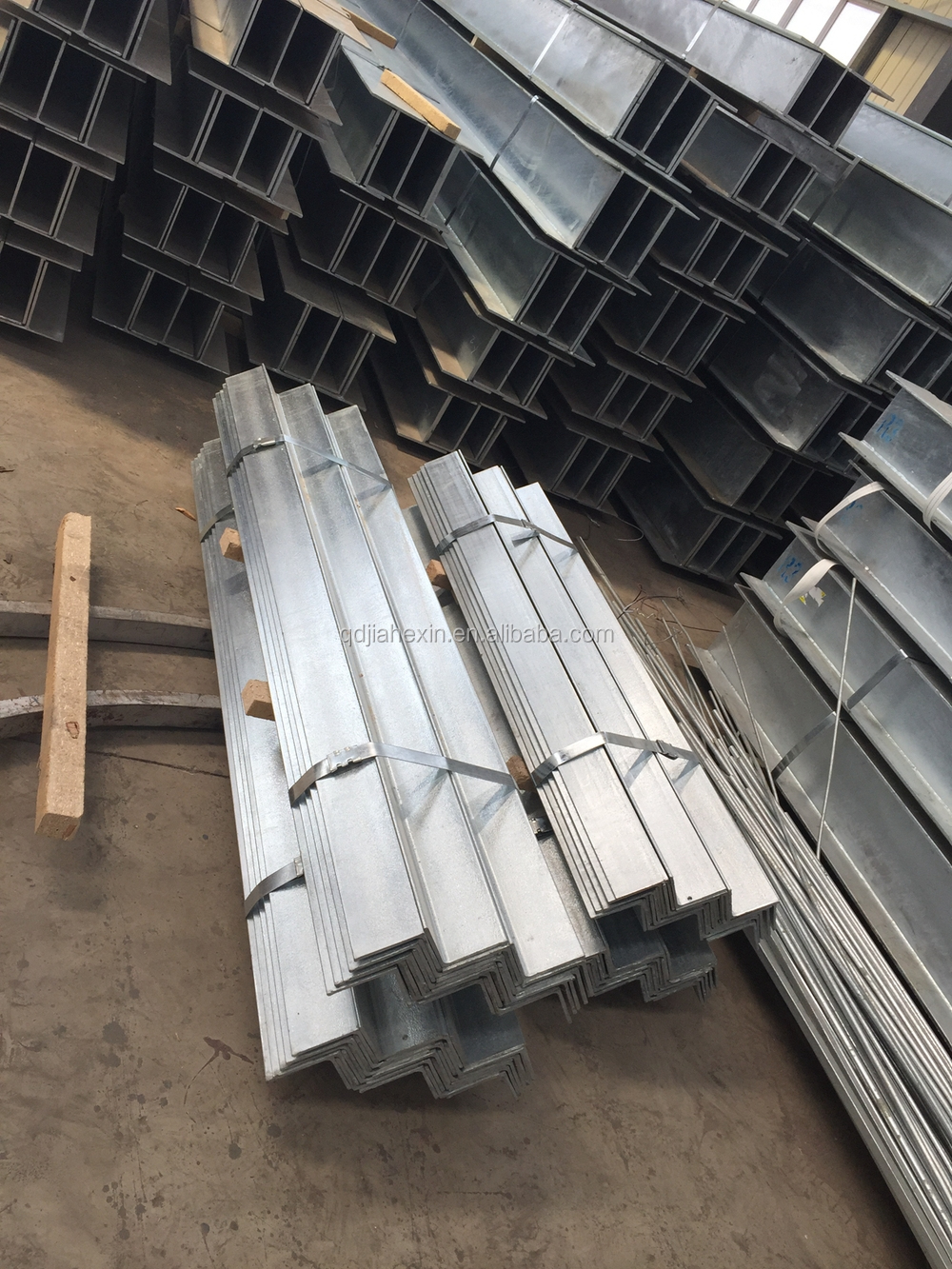 Light prefabricated steel structural roof trusses for Prefab roof rafters