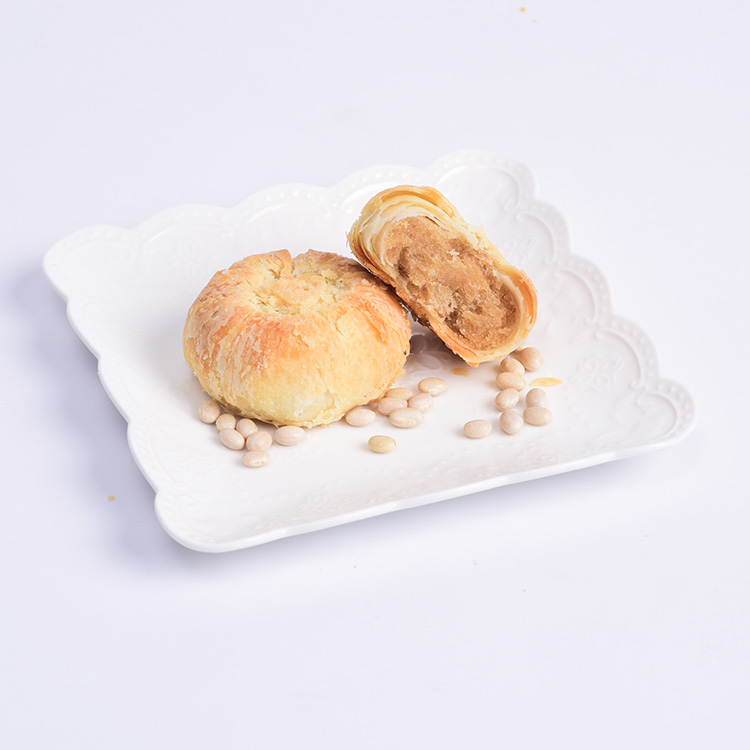 Semi-soft texture white kidney bean paste filled cake
