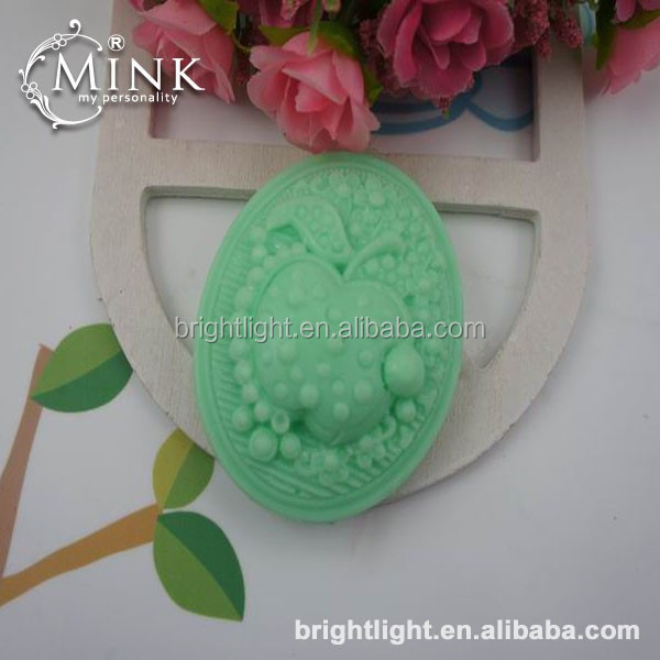 artistic carved design handmade soap/personalized bath soap