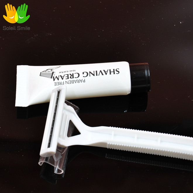Top quality 3~5 star hotel travel plastic disposable shaving kit with safety razor