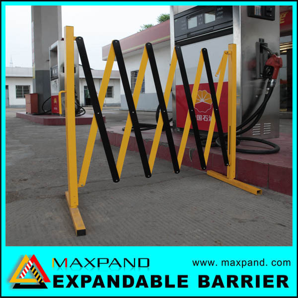 Expandable Steel Crowd Control Driveway Security Barrier