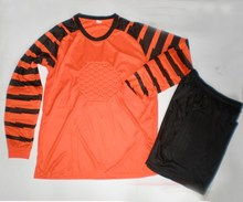 Long sleeve goalkeeper shirt and short , soccer jersey wholesale manufacturer