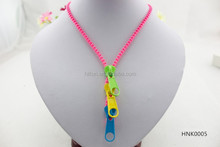 colorful zipper shaped stretch necklace