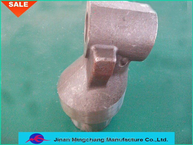 customized SINOTRUCK heavy truck parts cast steel steering knuckle