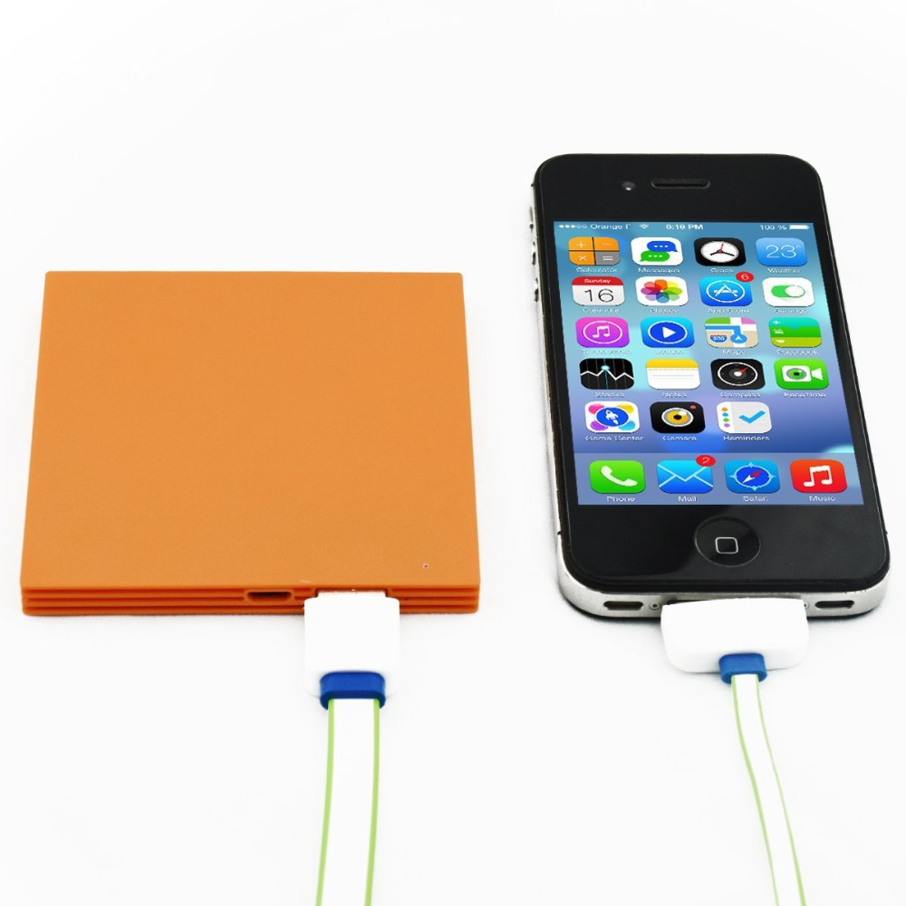 Shenzhen consumer electronic mini Biscuit size 2600mah mobile power for mobile phone charging