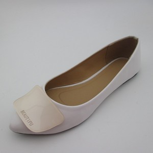 The pointed-toe style ladies shoes