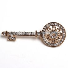 BR3010 High Quality Cheapt Fastest Delivery Gold Key Full Crytal Brooch Pin