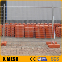 AS 4687 standard 2.4x2.1m size galvanised temporary fence with concrete block and clamps for Australia
