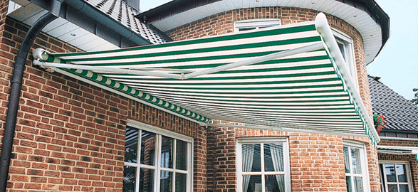 Metal Frame Full Cassette Retractable Awnings