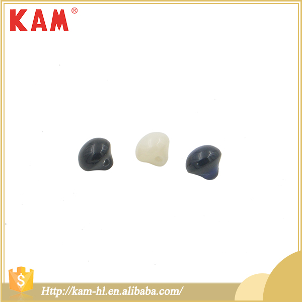 Latest new design 4 holes sewing plastic resin shirt dome buttons