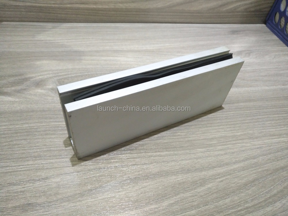 Aluminum U base channel/glass balustrade/railing