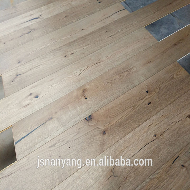 <strong>Antique</strong> style distressed <strong>oak</strong> Engineered hardwood floors