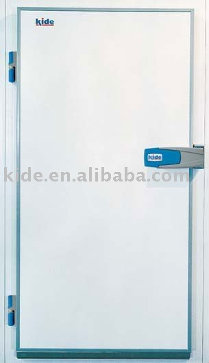 Polyurethane hinged cold room door