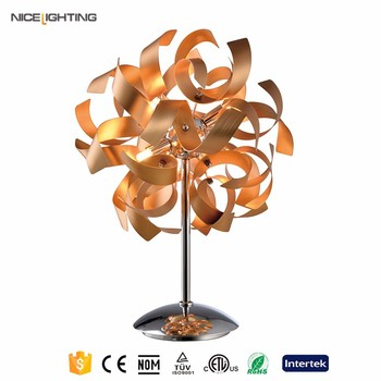 Modern Metal and Aluminium home decorative table lamp made in china