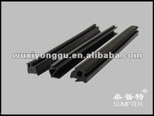 Rubber glazing gasket seal