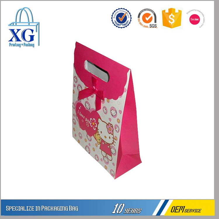 Fancy design OEM design recyclable christmas shopping paper gift bag