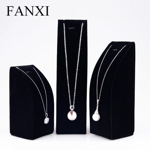 FANXI Free Sample Custom Logo Wholesale Wood Display Set Stand Holder Black Velvet Necklace Jewelry Exhibitors