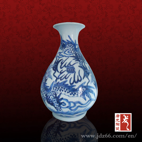 Art decorative old hand painted Chinese dragon ceramic vase