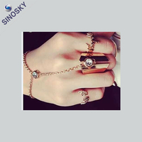 OEM/ODM new arrival new design beautiful hand ring bracelet