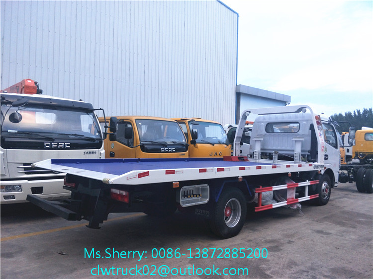Widely used road rescue truck DFAC 4*2 flatbed wrecker towing truck