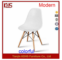 high quality alibaba factory cheap wooden leg white tulip dining chair