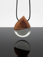 Factory directly supply clear resin heart wood pendant landscapes epoxy wood necklace resin wood unique chains